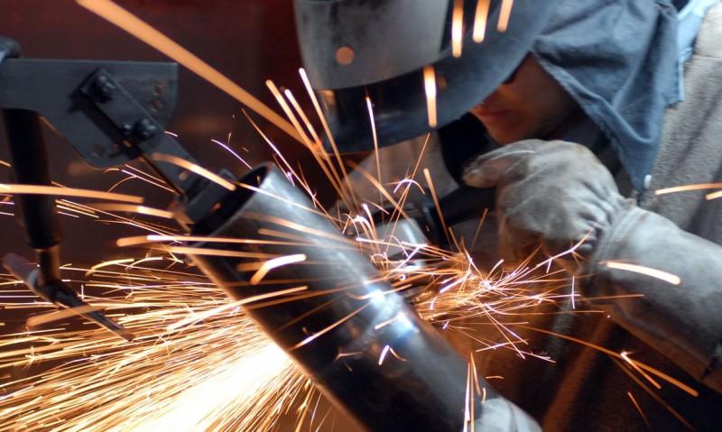 Demanda interna por bens industriais sofreu queda de 1,2% em fevereiro