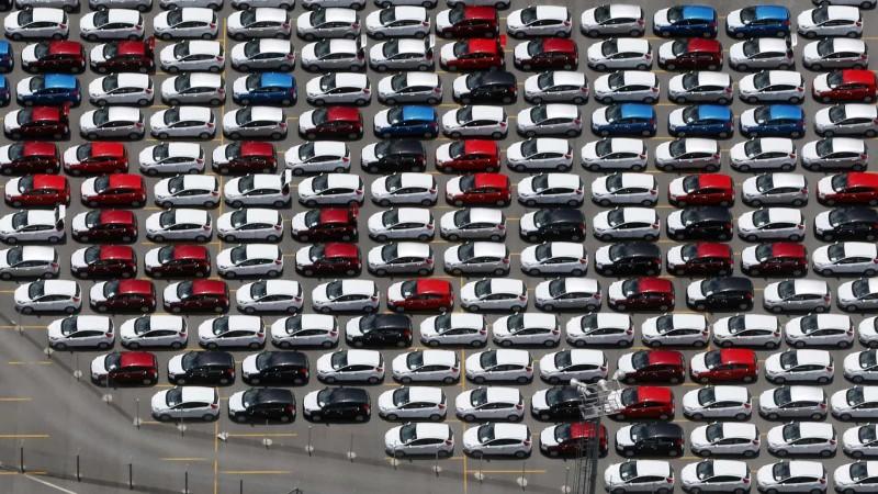 Vendas de veículos sobem 13,2% na passagem de fevereiro para março, diz Fenabrave