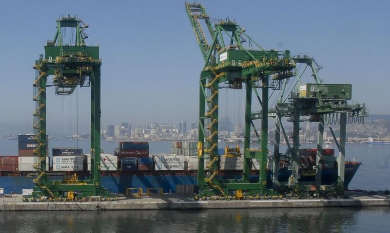 Superávit comercial de 2021 sobe quase cinco vezes com novo cálculo